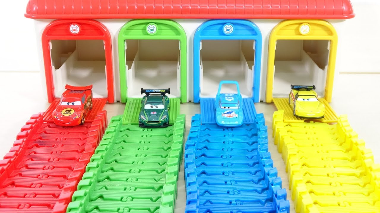 Learn Colors Disney Pixar Cars Tayo Little Bus Garage ...