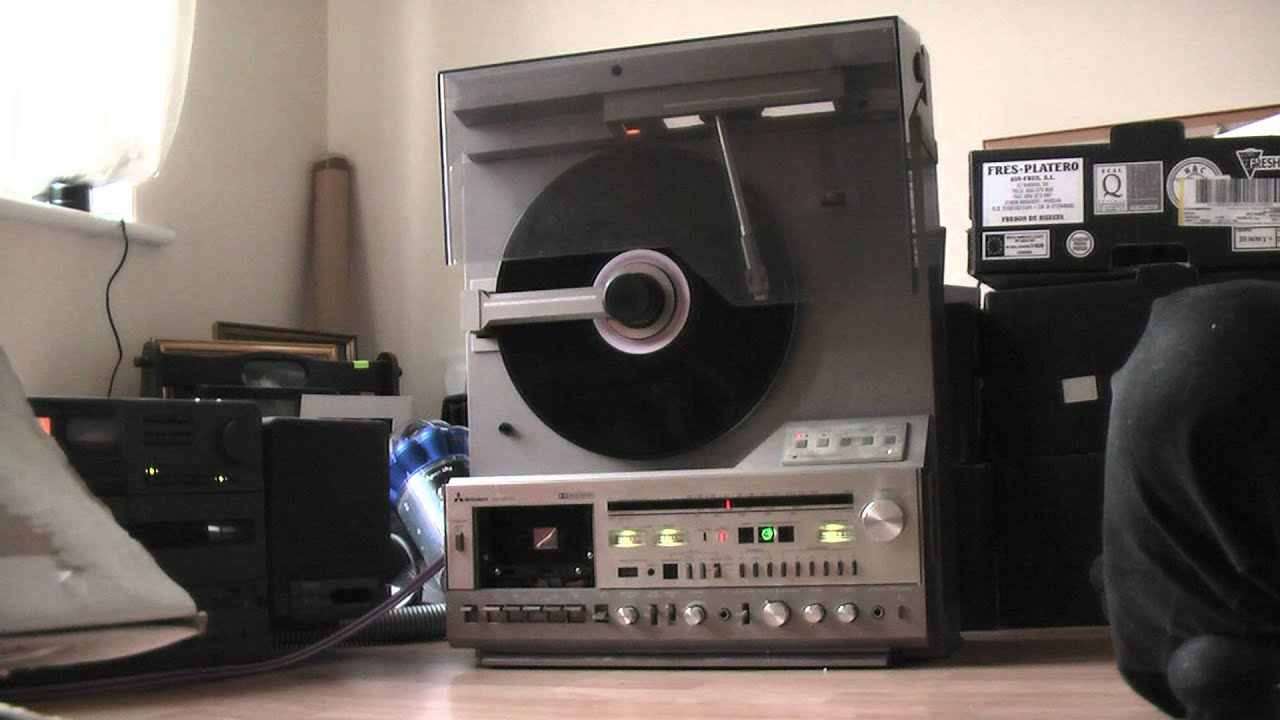 Trying Out My Mitsubishi Mc 8000 Vertical Turntable Music