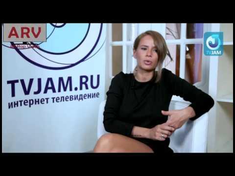 Айза Долматова дала