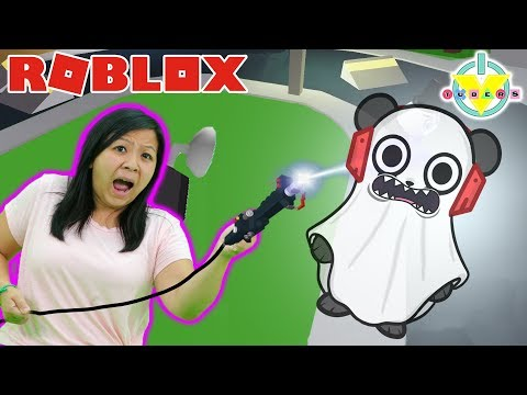 GHOST HUNTING IN ROBLOX GHOST SIMULATOR ! Let's Play Ryan's Mommy Vs  Combo Panda
