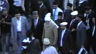 Arrival of Hadhrat Mirza Masroor Ahmad (aba) in USA on 16th June 2012