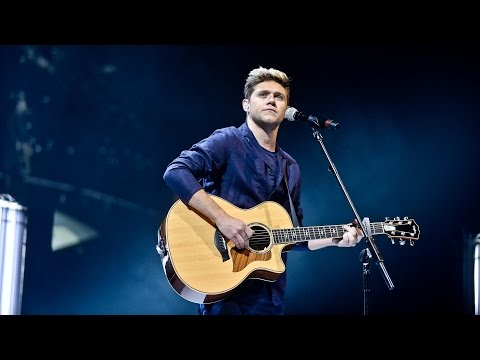 Niall Horan - This Town (Radio 1's Teen Awards...