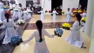 Huyền Sử năm sắc hoa Giáo xứ Mỹ Trung dâng hoa 13.05.2017