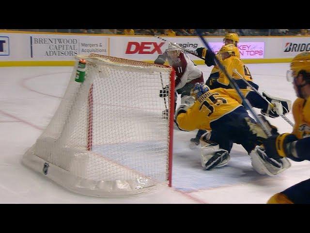 Pekka Rinne shuts down Matt Calvert with larcenous glove grab