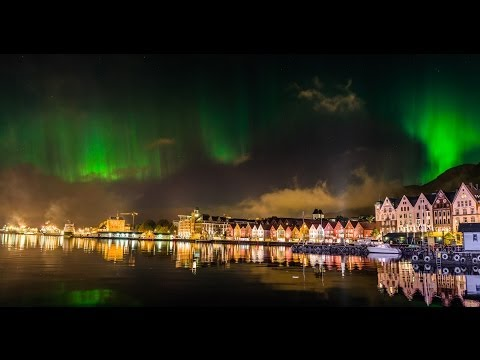 Timelapse - Northern Lights over the wharf in Bergen, Norway the night of 14th Oct 2013