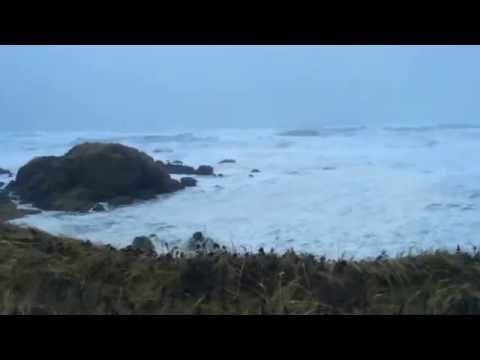 Large Waves from Typhoon Nuri in Shemya, Alaska 11-07-2014