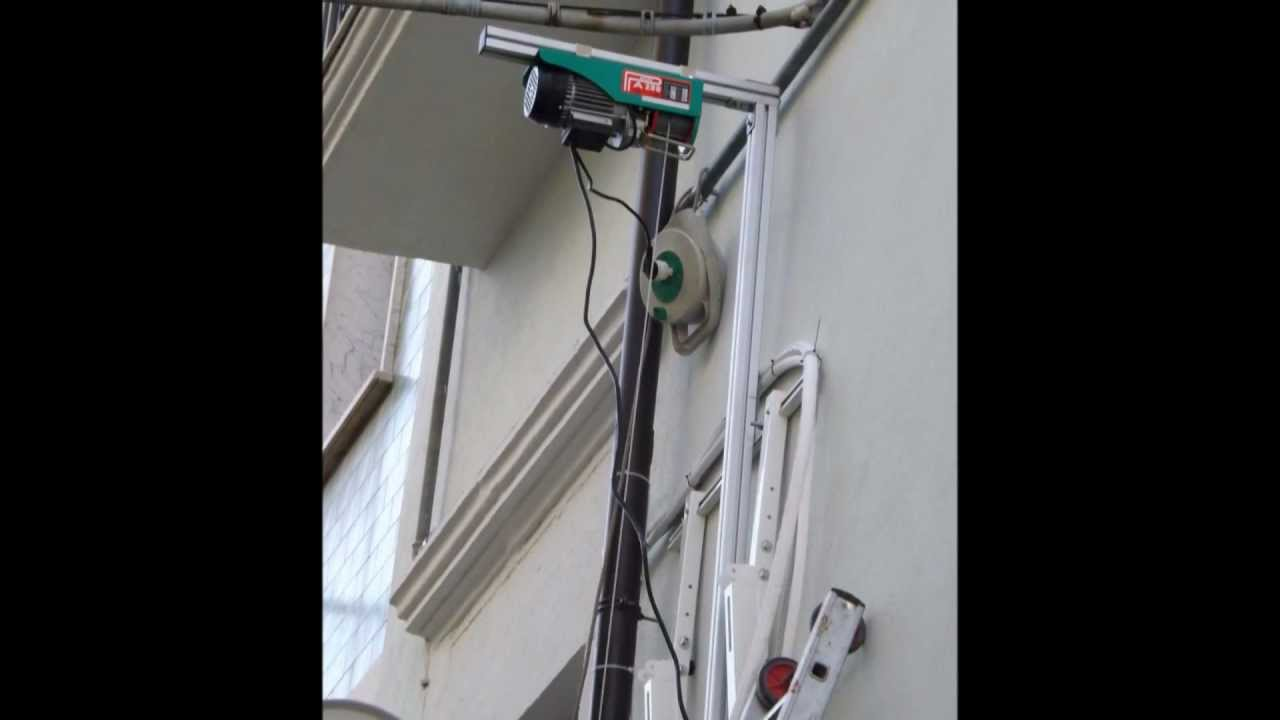 Sollevatore per motocondensanti home youtube for Paranco elettrico con supporto a bandiera