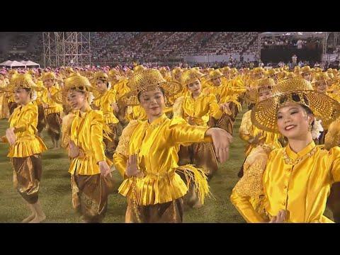 Bài giảng của ĐTC trong thánh lễ tại Bangkok – Thế giới trầm trồ trước các điệu múa Thái