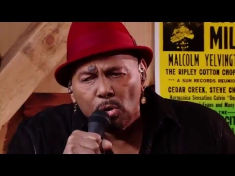 "Live From Daryl's House Feat. Aaron Neville -""Tell It Like It Is"""
