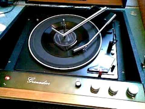 Alfred Lord Tennyson 2 Wax Cylinder recordings - side 1 - Hacker Grenadier GP 45