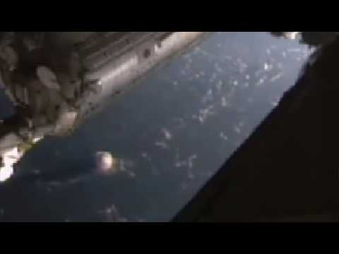 NASA CLOAKED UFO in cloud nasa cuts live Feed ISS UFOs sighting