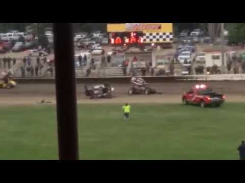 Sprint Car Crash @ Ocean Speedway 7/14/17