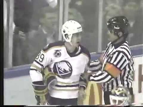 Alex Mogilny slaps a referee and gets 10 games suspension (1992)