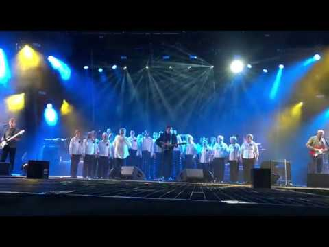 Cearcal a' Chuain - Runrig feat Donnie Munro @ The Last Dance - Stirling - 17-08-2018