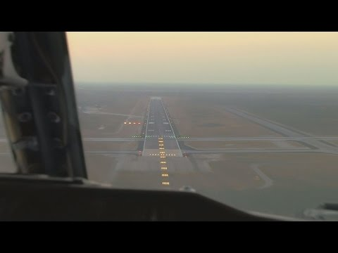 Boeing 737-200 cockpit landing video