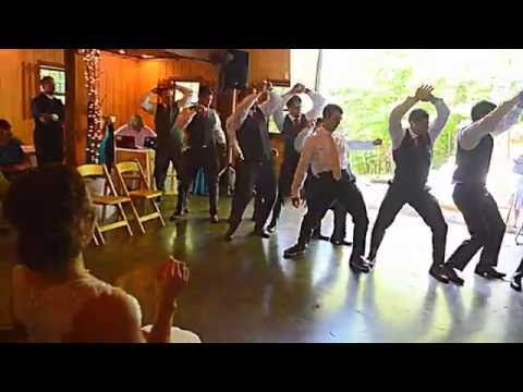 EPIC GROOMSMEN DANCE (How did they learn it the night before!!!)