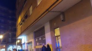 La Policía junto a la zona donde ha aparecido un hombre muerto con signos de violencia