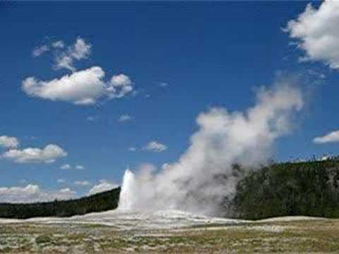 Yellowstone Old Faithful erupting