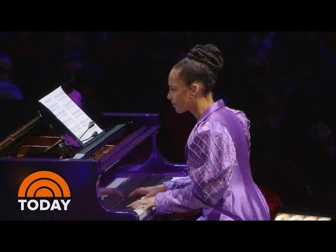 Alicia Keys Honors Kobe Bryant With 'Moonlight Sonata' | TODAY