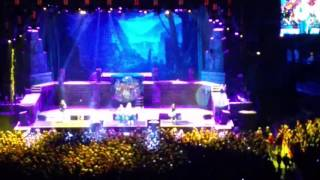 Iron Maiden( fear of the dark) live in Chicago at the United center