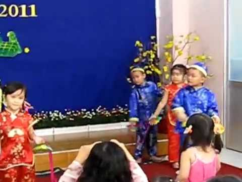 Mầm non Việt Mỹ mừng xuân 2011 - Mùa xuân của bé