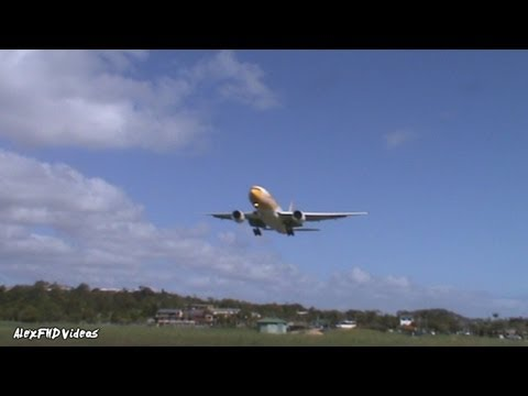 AWESOME ANGLE?? - JQ A332, AAX A332_,ANZ A320,SCOOT 772ER!  on Short Runway 1080p!!