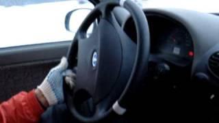 Как крутить руль при заносе(Как крутить руль при заносе. Видео заноса http://www.youtube.com/watch?v=JtZMH1DXBGE Как обучают в школе ..., 2010-01-31T19:14:29.000Z)