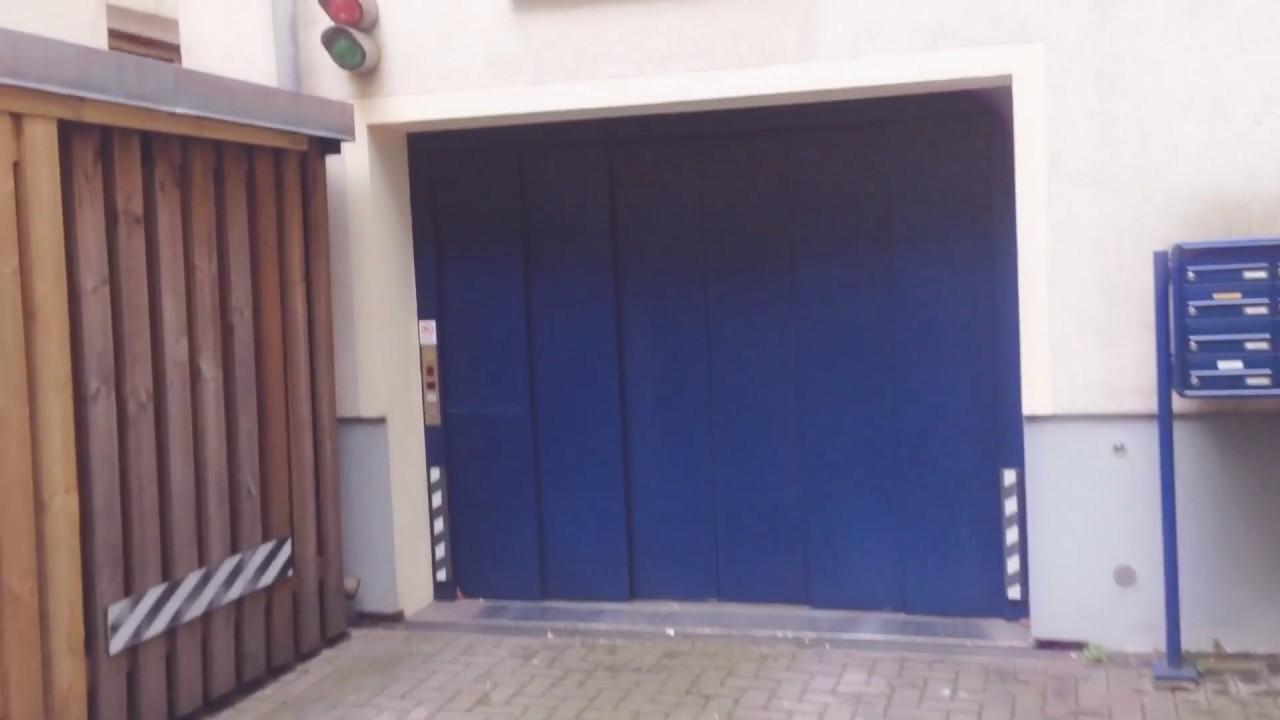 Autoaufzug Wöhr zur Garage in Hamburg - YouTube