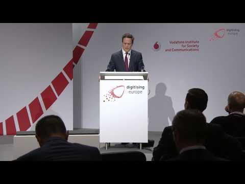 "Philipp Humm (Vodafone) at the ""digitising europe"" summit in Berlin"