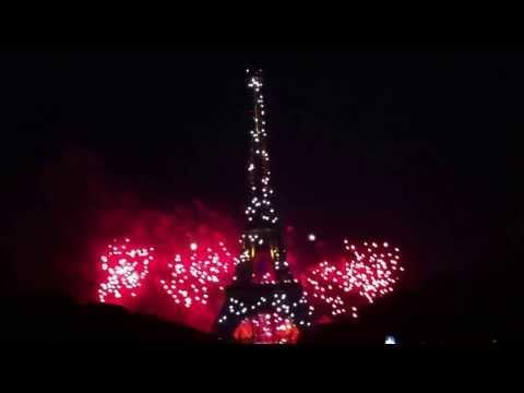 Le quatorze juillet 2013. La Tour Eiffel Fireworks. From Queen to Nirvana...