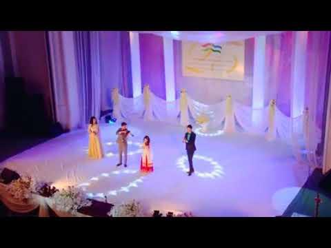 Russian Singer Singing 'Awara Hu' indian song