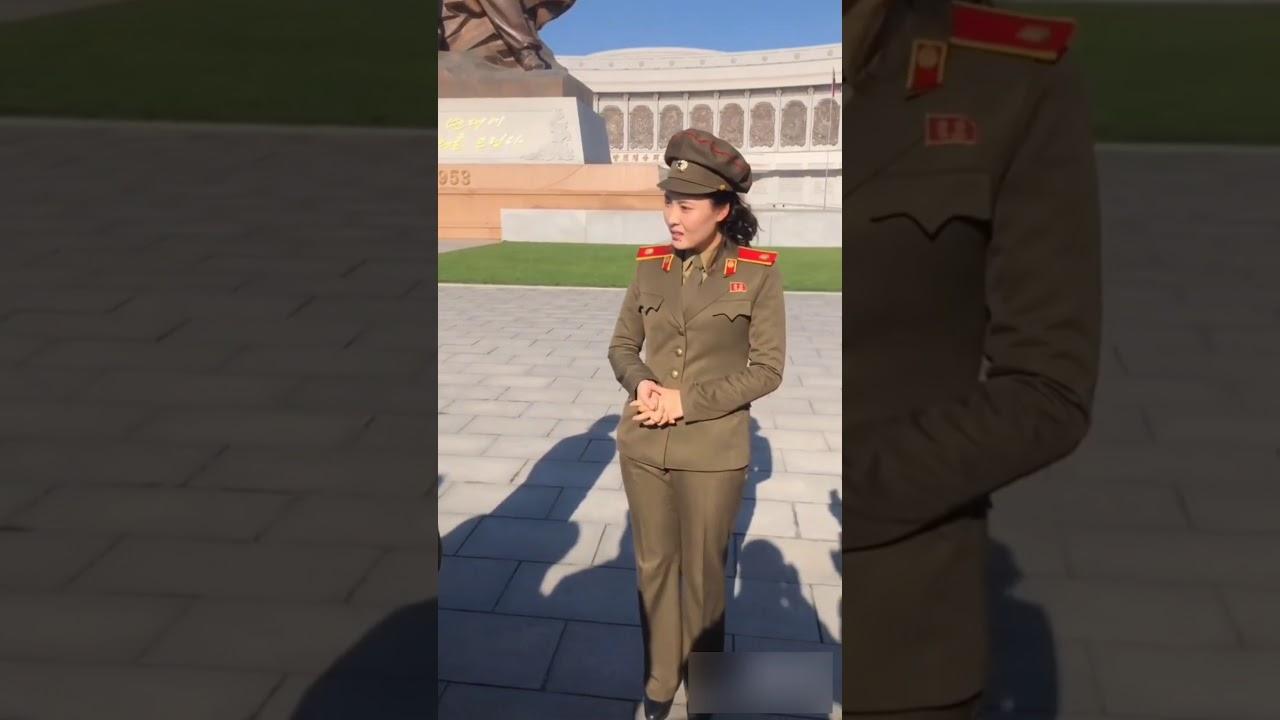 인민군대가 서울시를 해방했다네요 / she is saying North Korea tried to liberate Seoul city during korean war