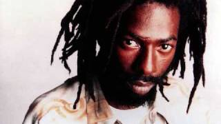 (Action Riddim) Buju Banton - Girls Dem Flex