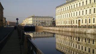 Мо́йка — река в Санкт-Петербурге. ( Май. 2016)