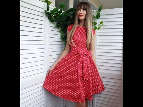 Платье в горошек в стиле ретро: тренд из прошлого в новом звучании.