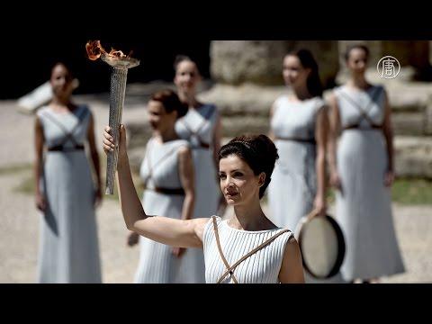 Олимпийский факел Игр в Рио зажгли в Олимпии (новости)