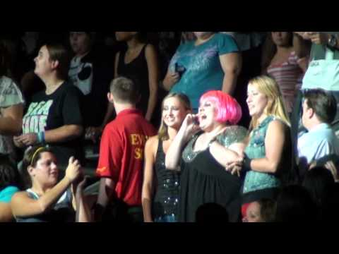Lady Gaga Calls A Fan & Performs Telephone Live In Philadelphia 9-14-10