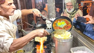 Non Stop Omelette Makers | Spicy Bread Omelet | Street Food of Karachi Pakistan | Egg Recipe