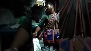Funny Hilarious Vendor in Indian Railways AC Coach / भारतीय रेलवे एसी कोच में मजेदार विक्रेता