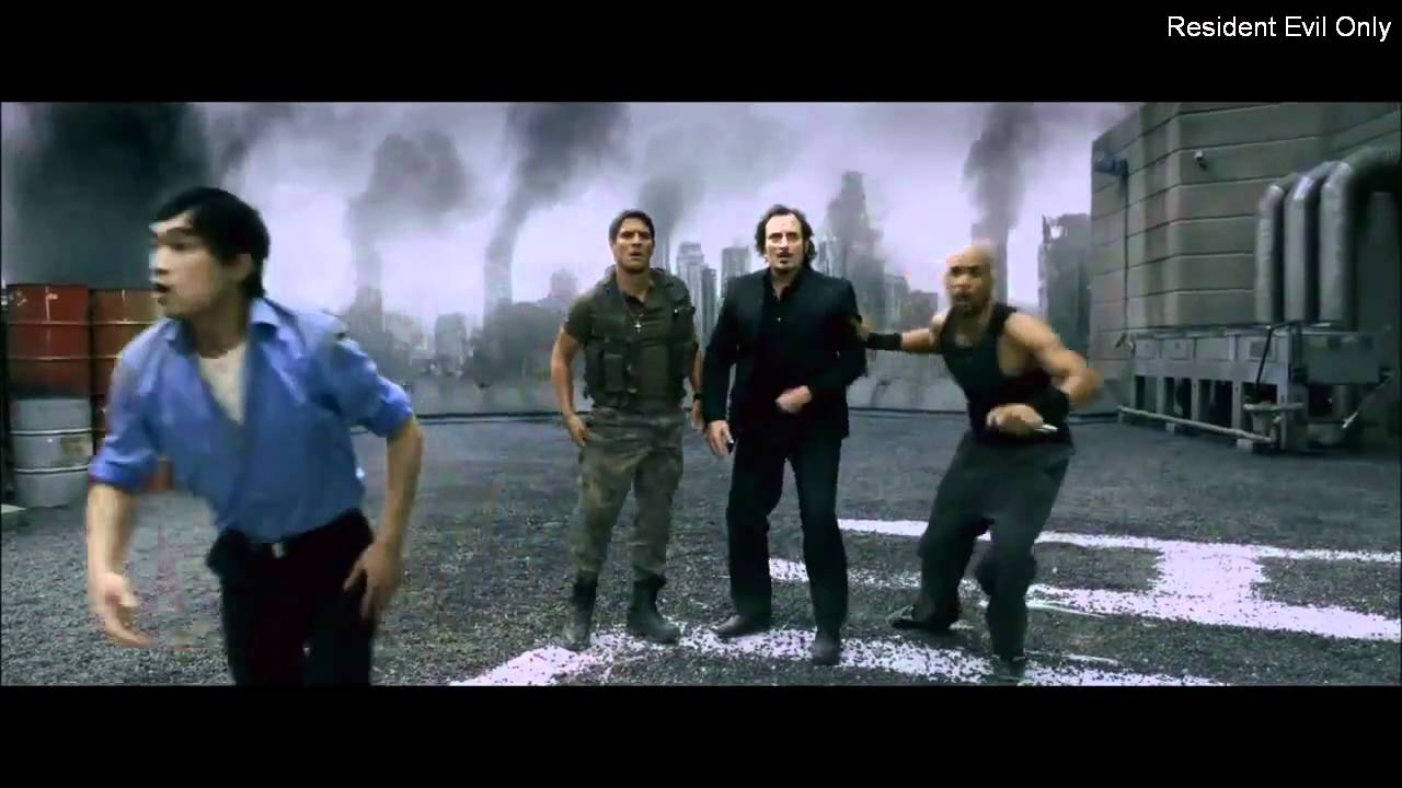 Resident Evil Afterlife Clip Alice Try Landing A Plane Youtube