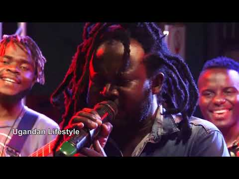 best-of-lucky-dube,-acopy-of-him-performed-all-his-hit-songs.