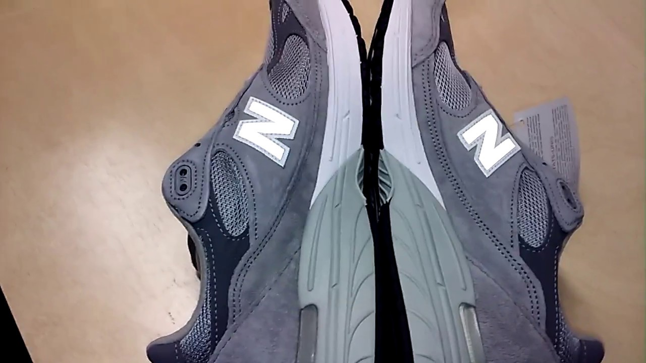 online store 60637 dd5b4 New Balance 993 Sneakers low quality manufacturing defects