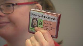 Schwer-in-Ordnung-Ausweis statt Schwerbehindert: Mädchen überzeugt Ministerium