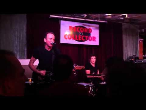 Hugh Cornwell - Banging on the same old beat - Bordentown, NJ