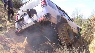 DEFENDER 110 TD5 vs DISCOVERY TD5   **Extreme OFF-ROAD show**