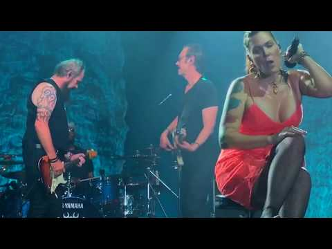 Beth Hart - Your hearth is as black as night (HD live performance)