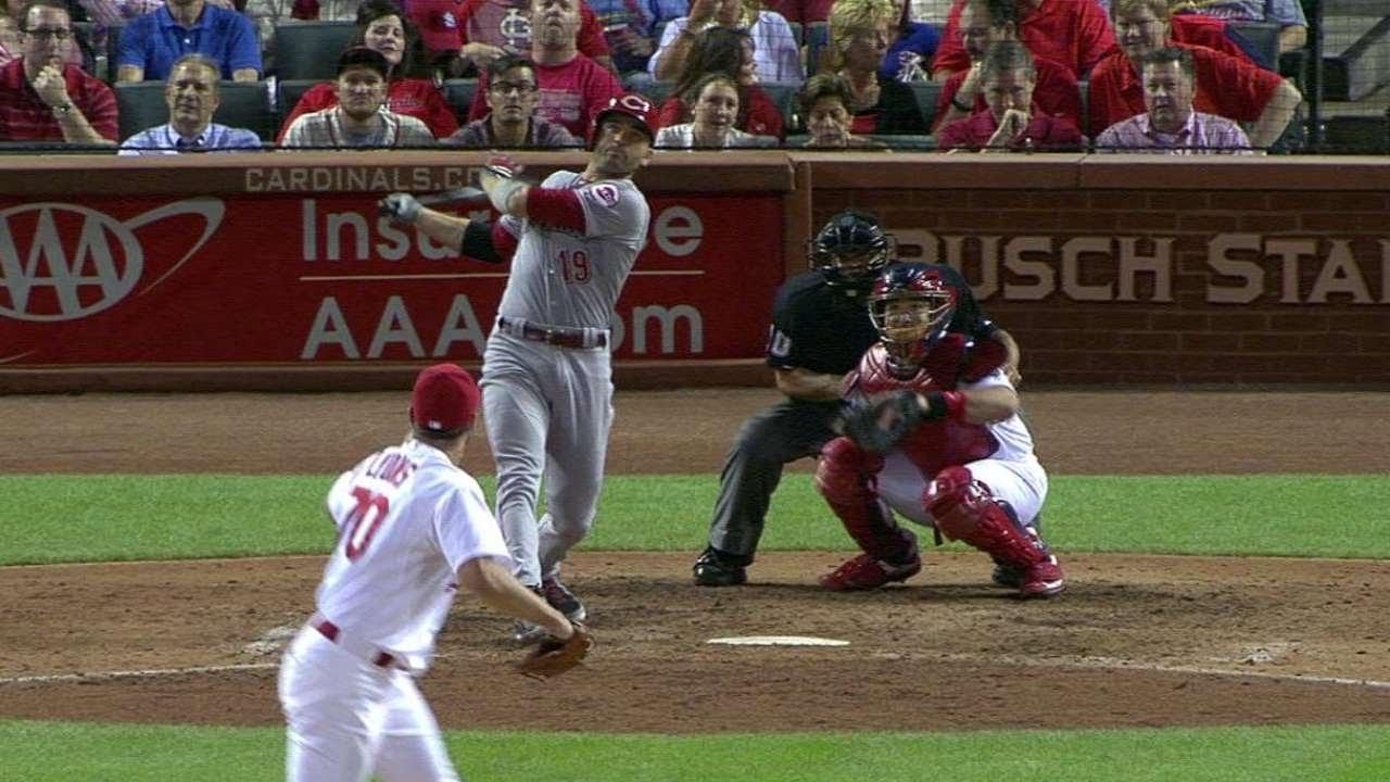 Carpenter extends homer streak, but Cardinals fall 7-2 to Cubs in Game 1 of twin bill
