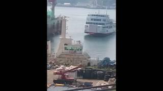 【船.TUBE】【客船の衝突事故】呉湾で停泊中の巨大船に衝突した翔洋丸が神田造船所に無事到着!
