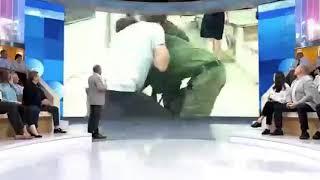 الاعتداء على مراسل روسي أثناء البث المباشر