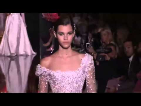 Model Pauline Hoarau almost falls at Elie Saab Haute Couture Fall/Winter 2014-2015